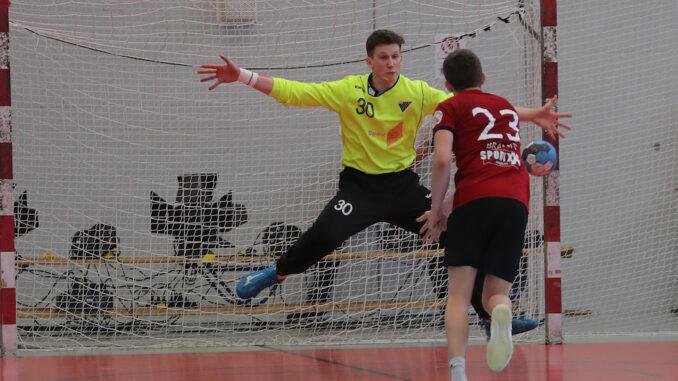 Leo Grazioli hält einen Penalty